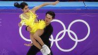 Krátký tanec v podání českého tanečního páru Cortney Mansourová a Michal Češka.