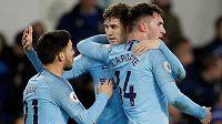 Fotbalisté Manchesteru City se radují z branky