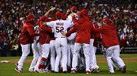 Cardinals oslavují postup do Světové série.
