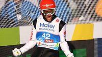 Německým úspěchem skončil závod skokanů na lyžích na velkém můstku na mistrovství světa v Seefeldu. Vyhrál Markus Eisenbichler a měl z toho ohromnou radost.