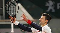 Srbský tenista Novak Djokovič umí rozdávat radost nejenom na kurtech,