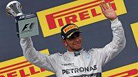 Brit Lewis Hamilton sice triumf z loňského roku v Maďarsku neobhájil, třetí místo poté, co musel startovat z boxové uličky, je však úspěchem.