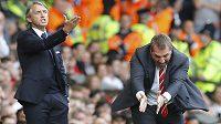 Při utkání Liverpoolu s Manchesterem City se dostali do varu oba trenéři. Vlevo kouč Citizens Roberto Mancini, vpravo Brendan Rodgers.