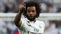Kluk jeden vlasatej! Brazilský obránce Marcelo slaví svoji trefu do plzeňské sítě.