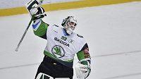 Brankář Mladé Boleslavi Jan Růžička se raduje z postupu do čtvrtfinále.