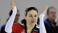 Karolína Erbanová se raduje! V Heerenveenu se stala rychlobruslařskou mistryní Evropy ve sprinterském víceboji.