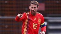 Kapitán španělské fotbalové reprezentace Sergio Ramos slaví gól v utkání kvalifikace o postup na EURO 2020 na půdě Faerských ostrovů.