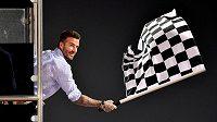 David Beckham s šachovnicovou vlajkou v Bahrajnu.