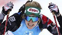 Rakouská biatlonistka Lisa Theresa Hauserová oslavila při Světovém poháru v Anterselvě premiérový triumf ve Světovém poháru.