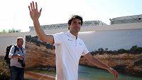 Carlos Sainz mění v F1 dres, McLaren vystřídá za Ferrari.