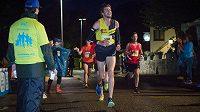 Noční desítka jako fajn rozcvička před maratónem.