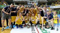 Basketbalisté BK Opava ve finále sice prohráli, ale stříbrné medaile jsou pro ně slušnou odměnou.