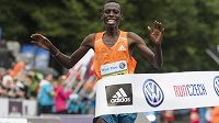 Patrick Terer slíbil, že v Praze roku 2014 maratón vyhraje. Vyhrál.