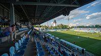 Jen několik desítek diváků mohlo sledovat utkání České Budějovice - Liberec z tribuny stadionu.