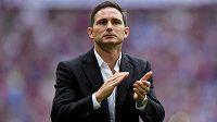 Kouč Frank Lampard dostal od druholigového klubu Derby svolení jednat s Chelsea o možném převzetí trenérské pozice.