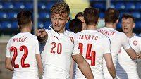 Antonín Barák (20) se raduje z gólu proti San Marinu.