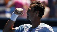 Tomáš Berdych po výhře nad Srbem Viktorem Troickým při Australian Open.