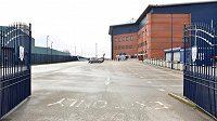 I stadion klubu West Bromwich Albion osiřel. Dočká se postupu do Premier League?.