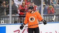 Jakub Voráček z Philadelphie během otevřeného tréninku týmů NHL Philadelphie Flyers a Chicago Blackhawks v Praze.