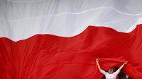 Příznivci fotbalistů Polska jsou připraveni v duelu s českým týmem rozvinout obří státní vlajku