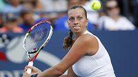Petra Kvitová v 1. kole US Open vyřadila Slovinku Hercogovou, o postup do 3. kola bude bojovat s Francouzkou Cornetovou.