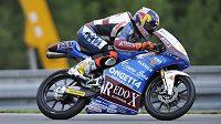 Český motocyklista třídy Moto3 Jakub Kornfeil na brněnském Masarykově okruhu.