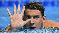 Michael Phelps symbolicky oslavuje účast na páté olympiádě.