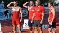 Sprinteři Pavel Maslák (zleva), Jan Veleba, Dominik Záleský a Zdeněk Stromšík vyhlížejí letitý český štafetový rekord.