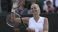 Tenistka Petra Kvitová zvládla po zranění předloktí levé ruky vstup do Wimbledonu úspěšně.