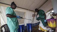 Zdravotníci v Sierra Leone.