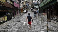 Jedna z desinfikovaných ulic Rio de Janeira. Ilustrační foto.