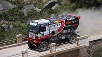 Martin Kolomý s vozem Tatra na trati 2. etapy Rallye Dakar.