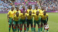 Výběr kamerunských fotbalistek před jedním ze zápasů olympijských her.