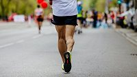 Ukázat na závodech všem záda může mít i pozitivní význam. (ilustrační foto)