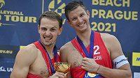 Turnaj Světového okruhu v plážovém volejbalu kategorie 2* v Praze. Ondřej Perušič (vlevo) a David Schweiner z ČR porazili ve finále 2:1 na sety německou dvojici Philipp Arne Bergmann, Yannick Harms a získali titul.