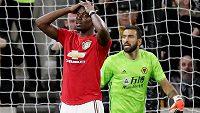 Paul Pogba z Manchesteru United zahodil v utkání s Wolverhamptonem penaltu. Od té chvíle čelí nechutným útokům.