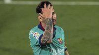 Reakce barcelonské hvězdy Lionela Messiho během utkání španělské ligy.