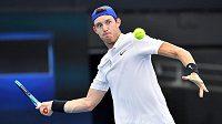 Chilský tenista Nicolas Jarry na Davis Cupu.