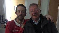 Fanoušek Damien Nixon a bývalý trenér Sir Alex Ferguson