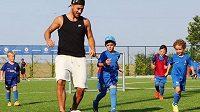 Hazard na tréninkovém soustředění malých fotbalistů