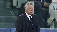 Kouč Carlo Ancelotti během zápasu proti Juventusu, který jeho Real nezvládl.