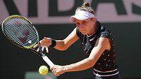 Markéta Vondroušová na letošním French Open v Paříži září.