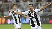 Cristiano Ronaldo se raduje z gólu proti AC Milán (ilustrační foto).