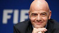 Prezident FIFA Gianni Infantino věří, že v příštím roce už budou čísla zase zelená.