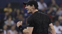 Andy Murray není k zastavení, triumfoval i v Šanghaji a znovu ubral z náskoku světové jedničky Novaka Djokoviče.