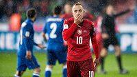 Český záložník Jiří Skalák během utkání kvalifikace s Ázerbájdžánem.