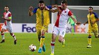 Záložník Slavie Jaromír Zmrhal se odvážně pral se soupeři v Evropské lize. Věří, že Pražanům neuteče účast v Evropě v jarní části sezóny.