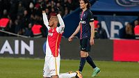 Fabio Henrique Tavares oslavuje triumf Monaka na hřišti PSG.