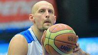 Basketbalista Luboš Bartoň v dresu USK Praha.