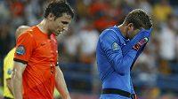 Zklamání! Nizozemský brankář Maarten Stekelenburg s Markem van Bommelem po utkání s Německem